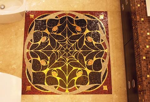 Панно из мозаики на полу