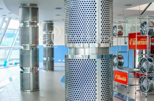 Перфорированный металл в отделке колонн