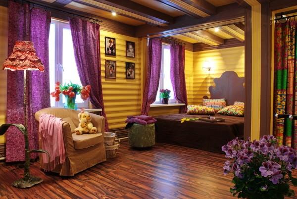 Стены, декорированные деревянными обоями