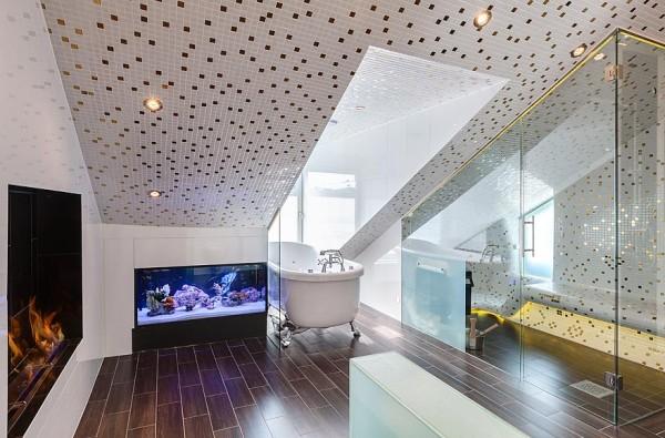 Ванная комната, устроенная в мансарде