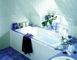 Монтаж сайдинга в ванной в разном направлении