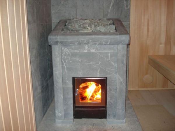 Банная печь, облицованная талькомагнезитом
