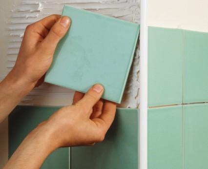 Применение пластикового уголка для отделки плиткой