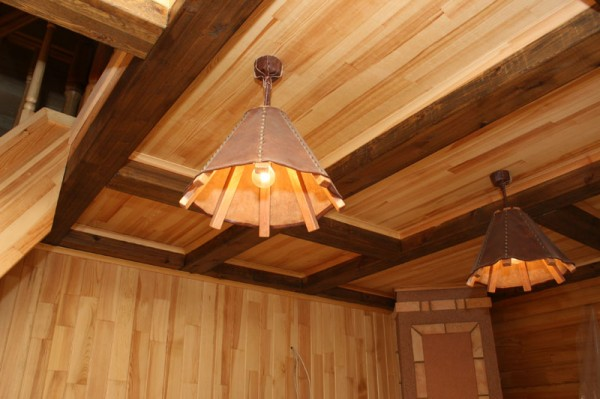 Чем отделать потолок в частном доме своими руками 14