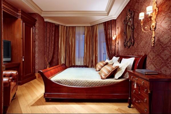 Жаккардовые обои в интерьере спальни