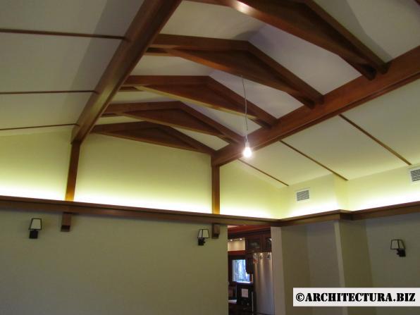 Подвесная деревянная конструкция