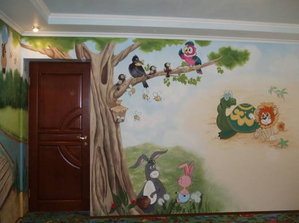 Детская комната с росписью на штукатурке