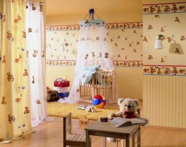Мелкий рисунок с детской тематикой на стенах
