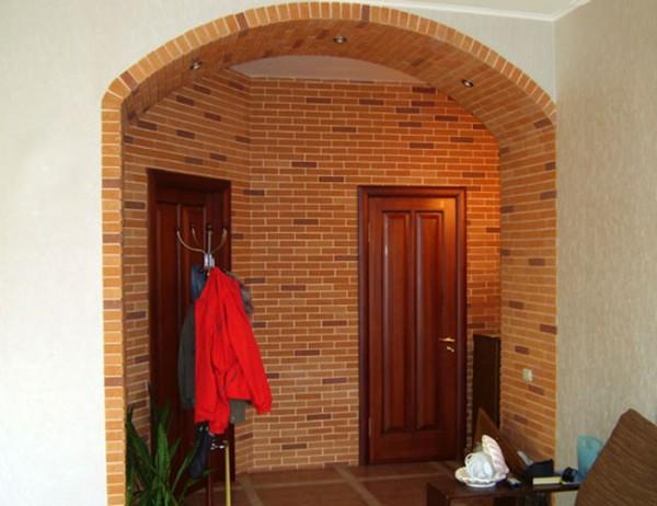 Облицовочный кирпич в отделке арки