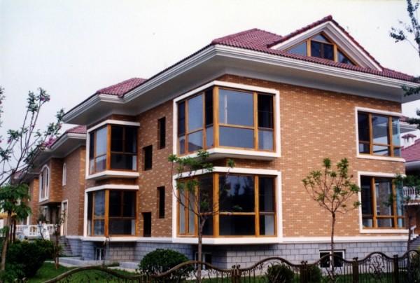 Облицовочный кирпич в отделке фасада