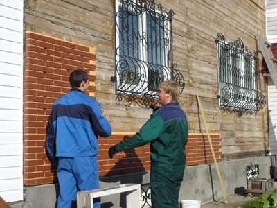 Установка панелей с клинкерной плиткой на фасад дома