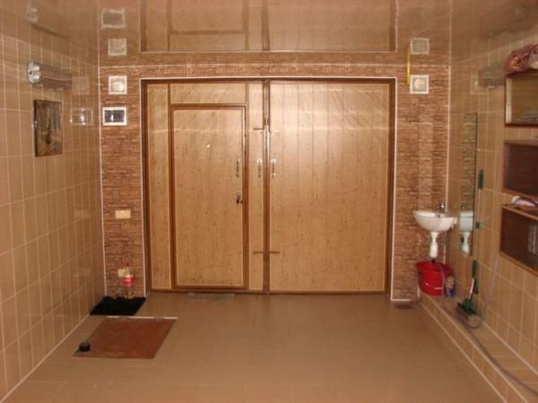 Керамическая плитка в отделке гаража