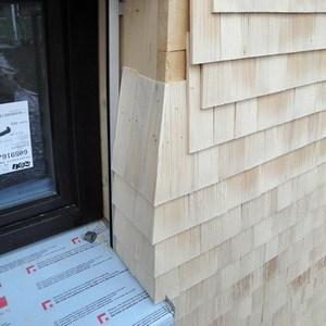 Отделка наружных стен деревянной дранкой