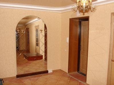 Недорогая отделка входной двери