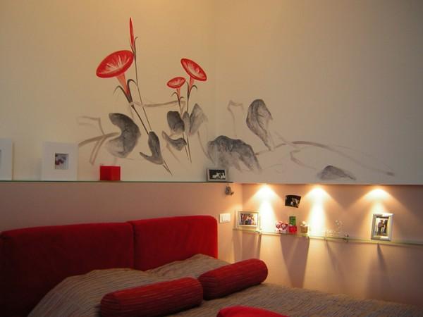 Ручная роспись и подсветка на стене из гипрока