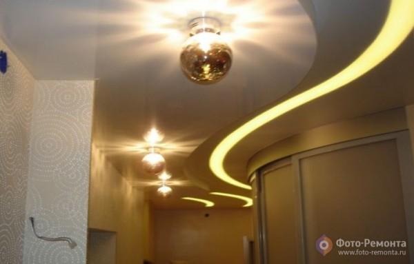 Потолок из гипсокартона в прихожей и коридоре