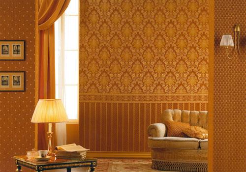 Текстильные обои в сочетании с обивкой мебели
