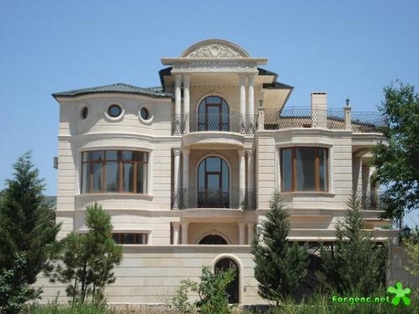 Дом, облицованный песчаником
