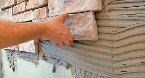 Как производится монтаж декоративного камня