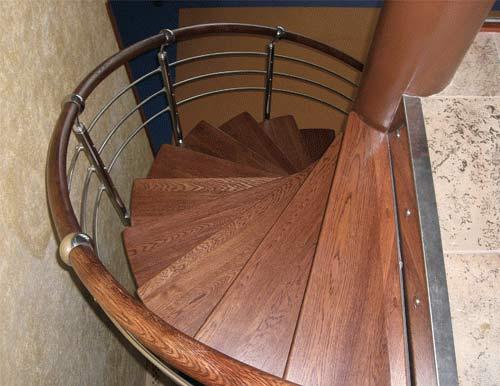 Характеристики винтовой деревянной лестницы