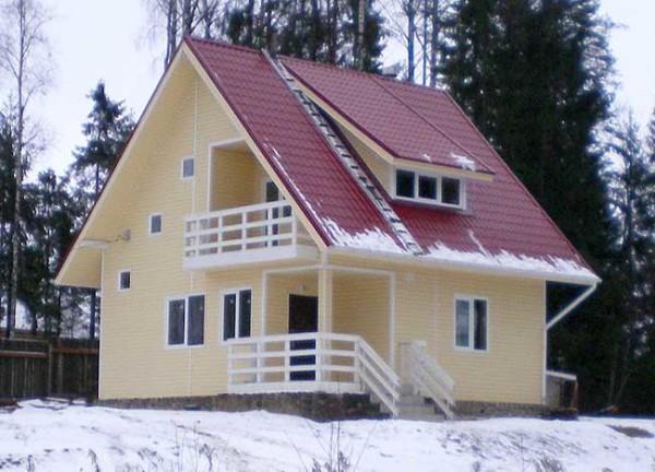 Сайдинговая отделка загородного домика