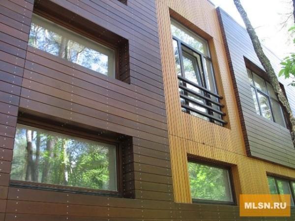 Дизайн облицовки дома сайдингом из дерева: фасад