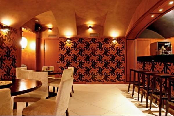 Древесно-полимерные панели в дизайне ресторана