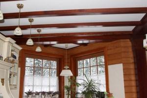 Элитный вариант декорирования усадеб и создание стилизованных интерьеров отделки деревянными изделиями