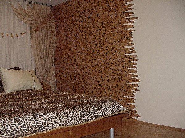 Использование коры в интерьере спальни