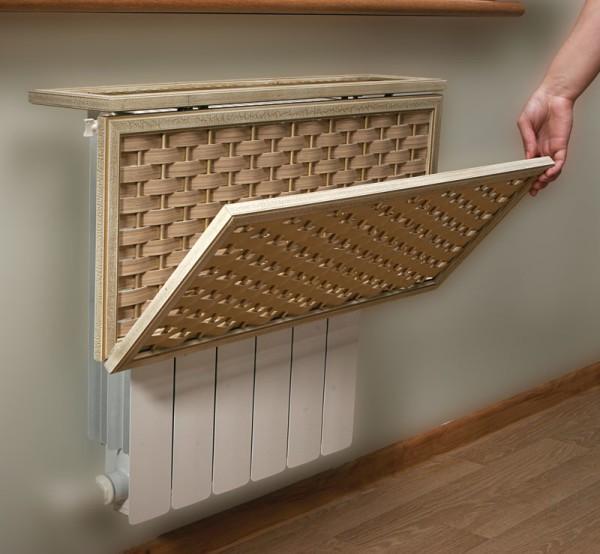Отделка батареи деревянной рамкой с переплетёнными полосками ткани