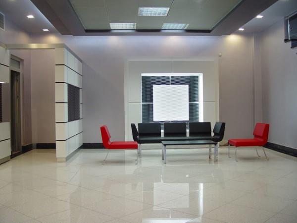 Отделка холла декоративными панелями