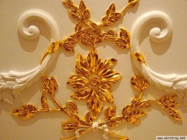 Сусальное золото в отделке лепнины