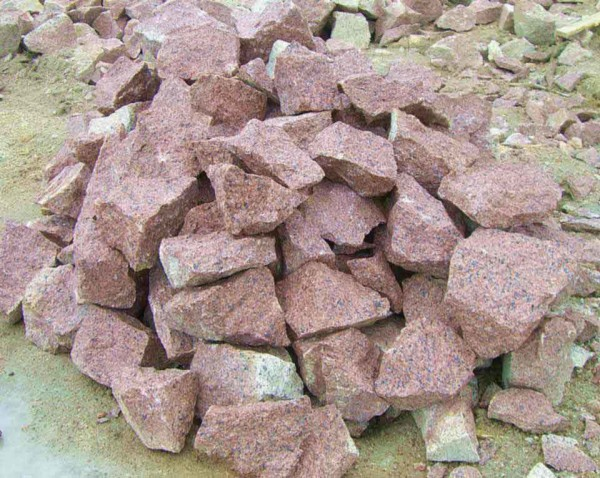 Что собой представляет бутовый гранитный камень