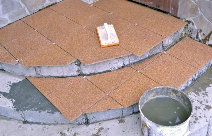 Repeindre des joints de carrelage au sol tours le for Carrelage fin renovation leroy merlin