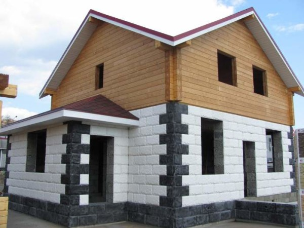 Облицовка цоколя и первого этажа облицовочными блоками