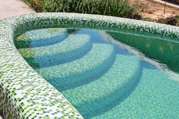 Оформление бассейнов