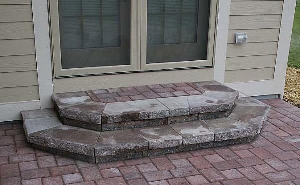 Отделка крыльца тротуарной плиткой