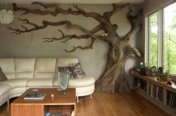 Панно на стене из коры дерева