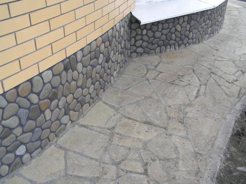 Пример-фото оформления с использованием искусственного камня