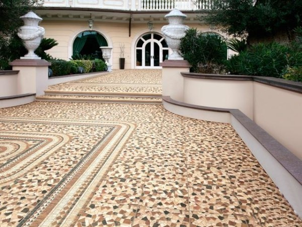 Рустикальный керамогранит в дизайне террасы