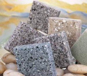 Какой материал используется для отделки цоколя