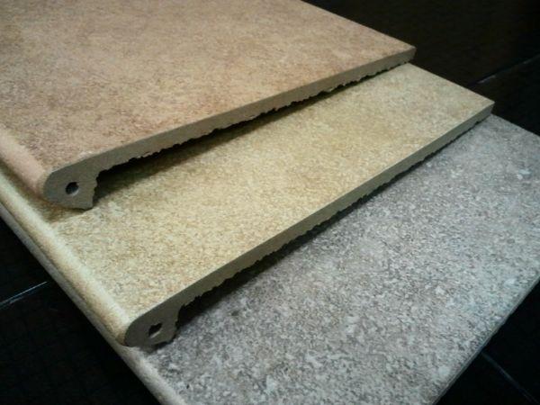 Каменная плитка с кромочным свесом