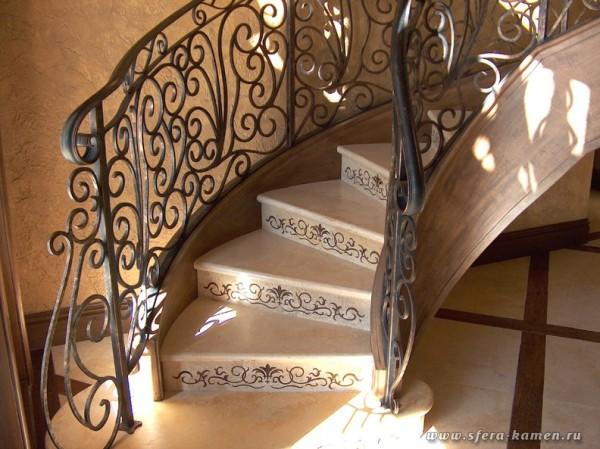 Облицовка камнем лестниц