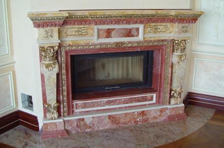 Фото дизайна камина при помощи мраморной плитки