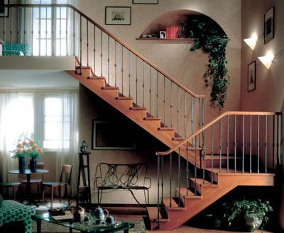 Пример оформления стен лестниц