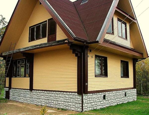 Облицовка домов сайдингом