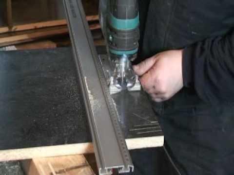 Одна из основных проблем – сколы декоративного покрытия при резке
