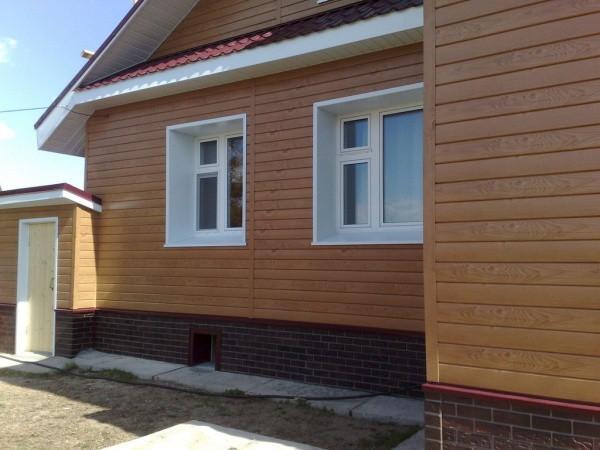 Деревянный сайдинг для облицовки стен дома