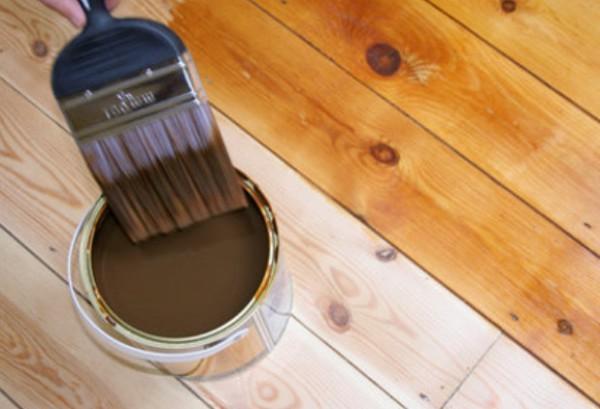 Грунтовка дерева перед покраской позволяет экономить краску