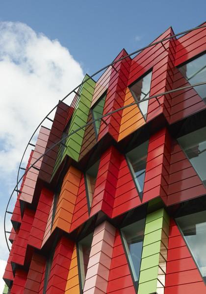 Эксклюзивный керамический фасад